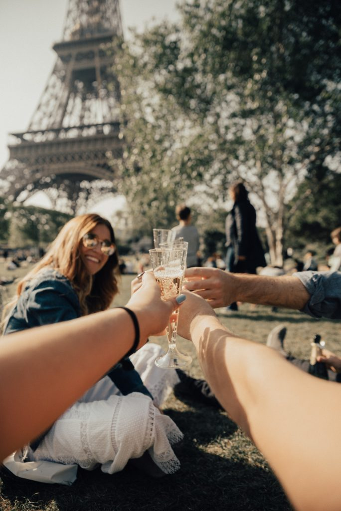 Most beautiful places in the world to picnic - Eiffel Tower Paris France picnic